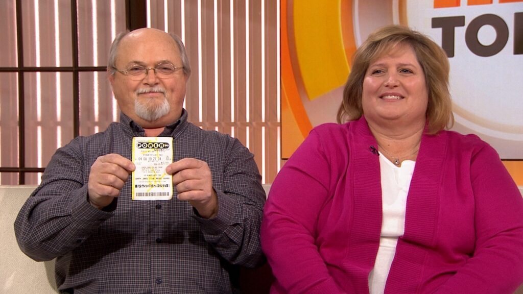 One of the winners, John and Lisa Robinson, of Munford, Tennessee, was thrilled to win and even made television appearances before claiming their prize. They flaunted their luck to the entire nation and eventually took home their extravagant check for $528.8 million.