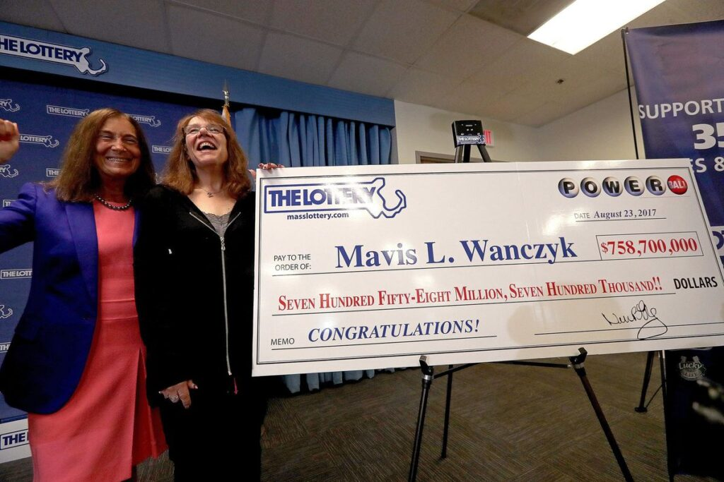 Mavis Wanczyk's life when she won the largest single lottery jackpot records ever recorded in U.S lottery jackpot records at the time.